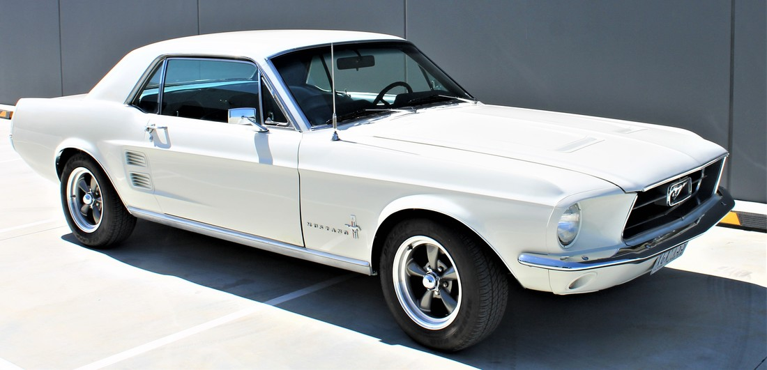 FORD  MUSTANG 1967 - WIMBLEDON WHITE